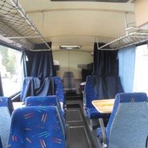 Bussen har 10 sitteplasser og fire senger