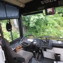 Fremme i den nye bussen, så godt som ny!